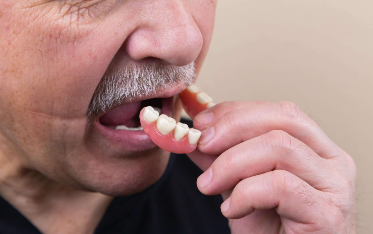 what-to-expect-with-new-dentures-1200x754.jpg