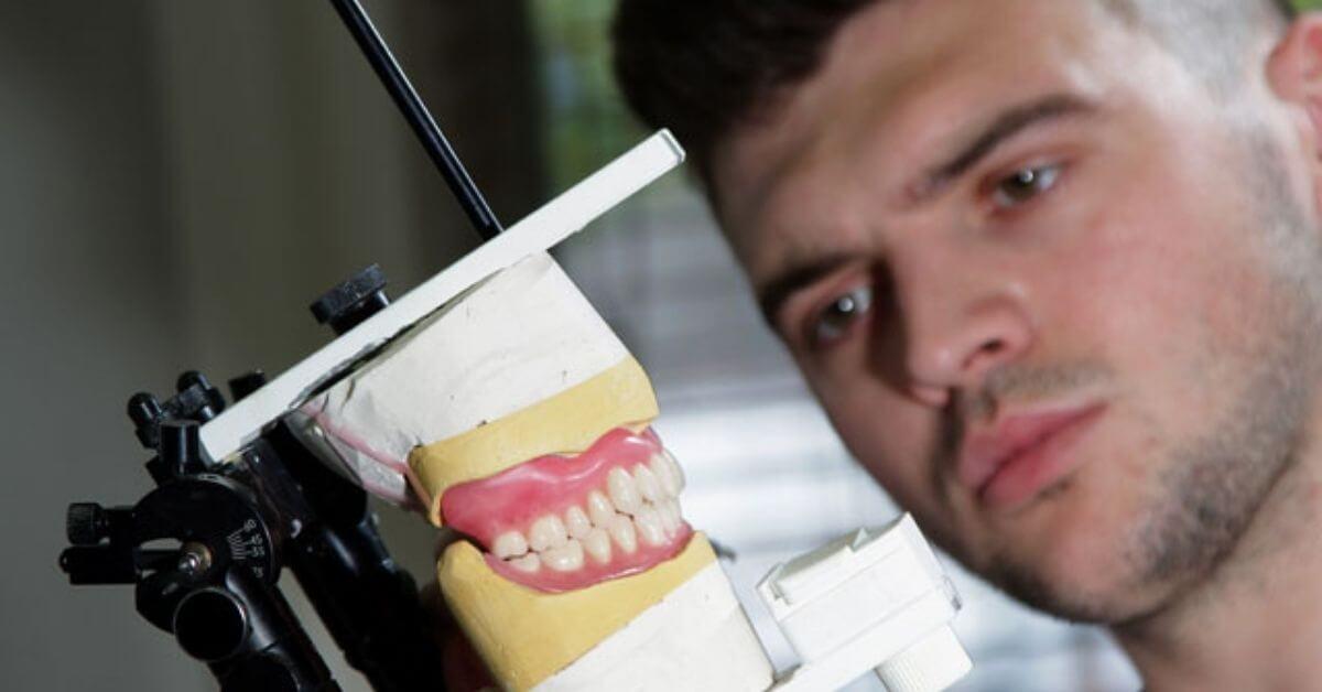 what-does-a-clinical-dental-technician-do.jpg