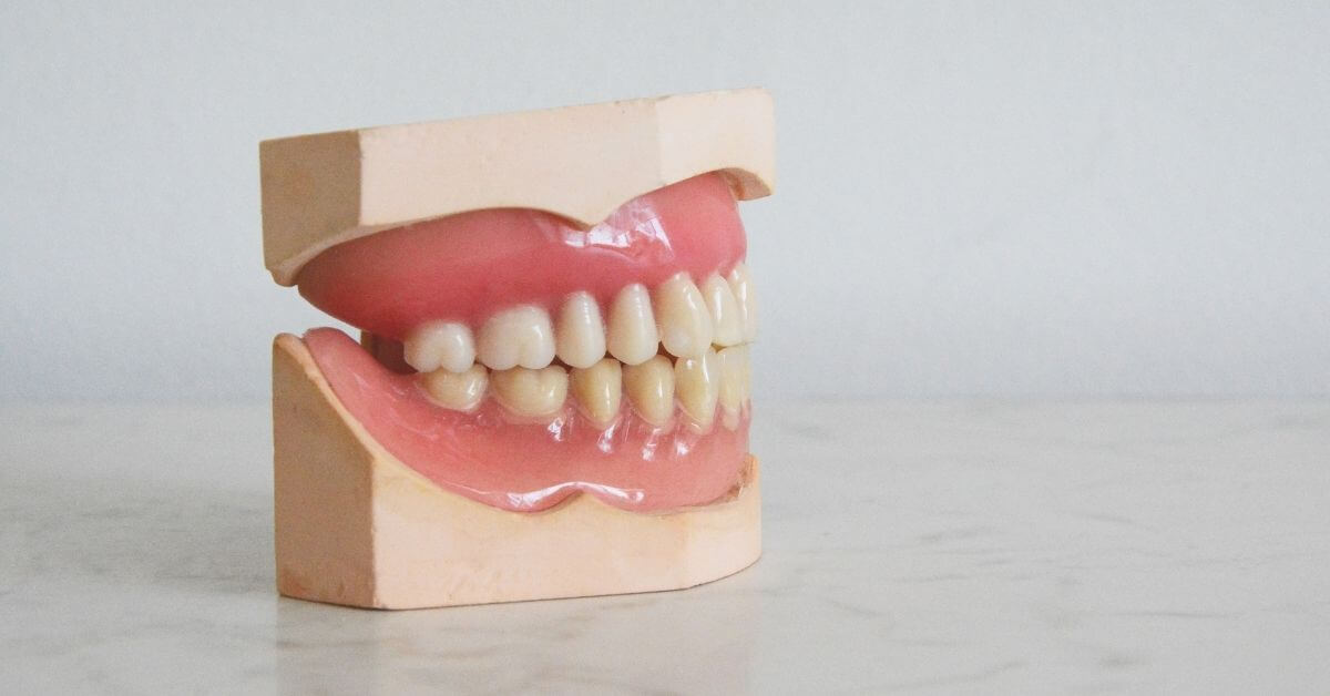 how-much-do-new-dentures-cost.jpg